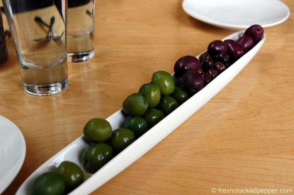 w_eat-olives_3834769094_o