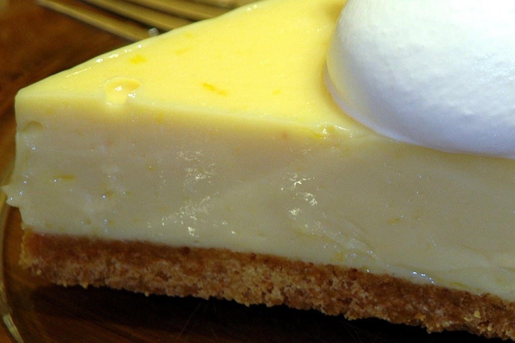 lemon-ice-box-pie_4357510101_o