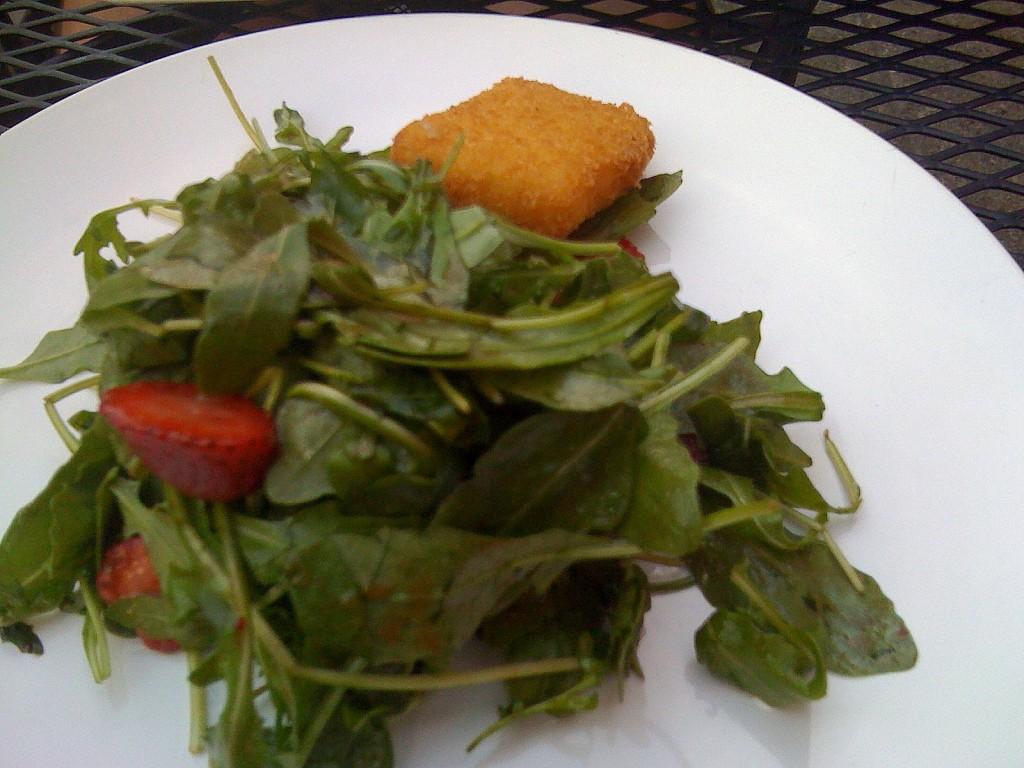 Spinach Salad with Cocoa-Balsamic Vinaigrette (Café St. Ex, D.C.)