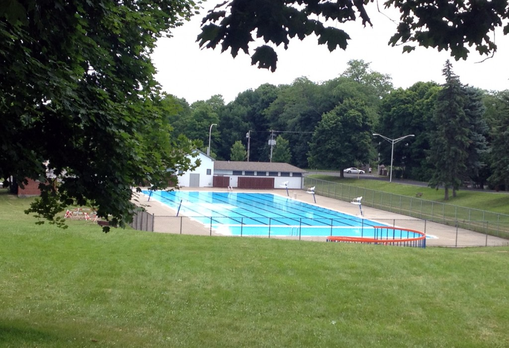 Thornden Park pool. In grad school I'd ride my bike here in the morning to swim, and then Mark would bring me a latte and take my swim bag home while I headed to my 8:30 am class.